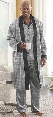 Black/White Pajamas/Robe by Steve Harvey