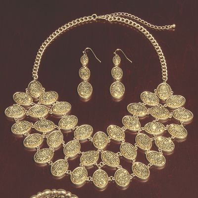 Oval Glitter Necklace
