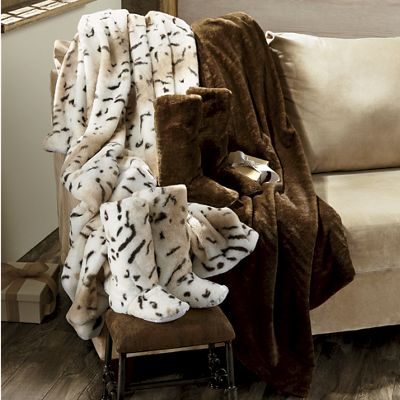 Luxury Faux-Fur Throw & Bootie Set