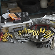 390-Piece Tool Set
