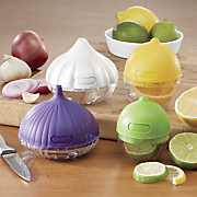 set of 4 food saver containers by cuisinart