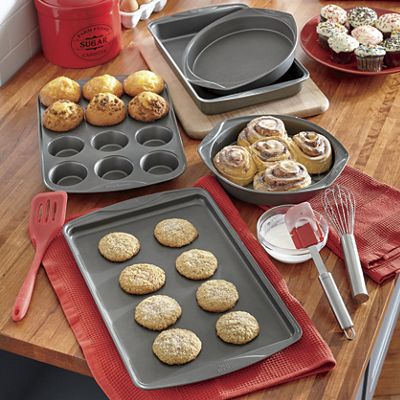 Signature Bakeware Set by T-Fal