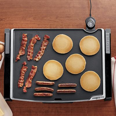 Tilt-N-Fold Griddle by Presto