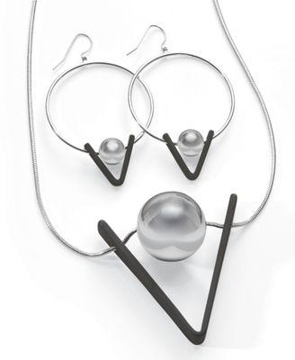Ball/Black V Necklace/Earring Set