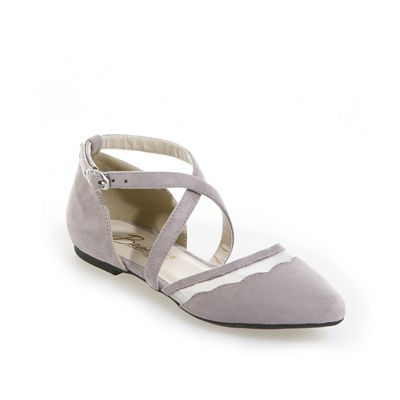 Misha Shoe by Beacon