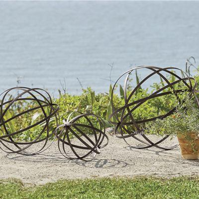 Set of 3 Metal Band Garden Spheres