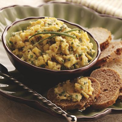 Wisconsin Smoked Gouda Chive Spread